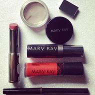 Red Carpet Glam Instagram Giveaway