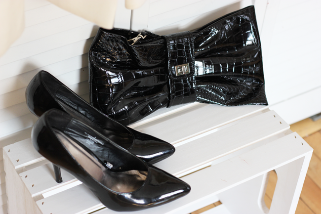What To Wear To A Wedding- Little Black Dress & Accessories