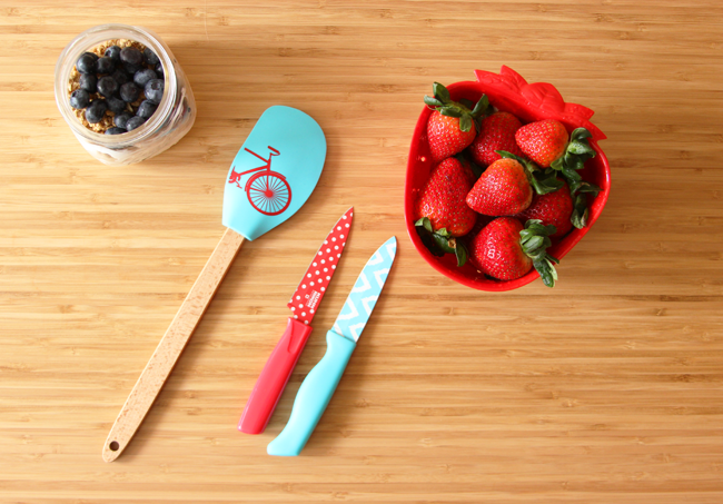 Having trouble eating healthy? Make it fun! I picked up these cute tools from Kohls, it makes meal prep time a lot more enjoyable with colorful accessories! #MakeYourMove