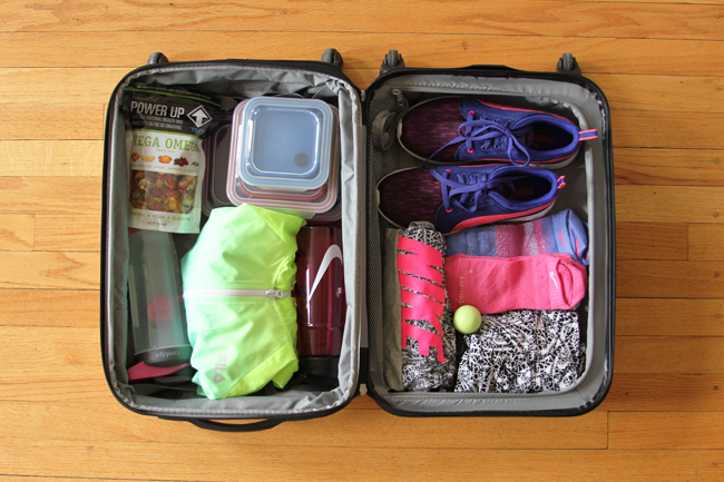 You have to pack smart when you travel otherwise, you'll never stay healthy!  What I pack to stay on track with my fitness goals, for Kohl's #MakeYourMove