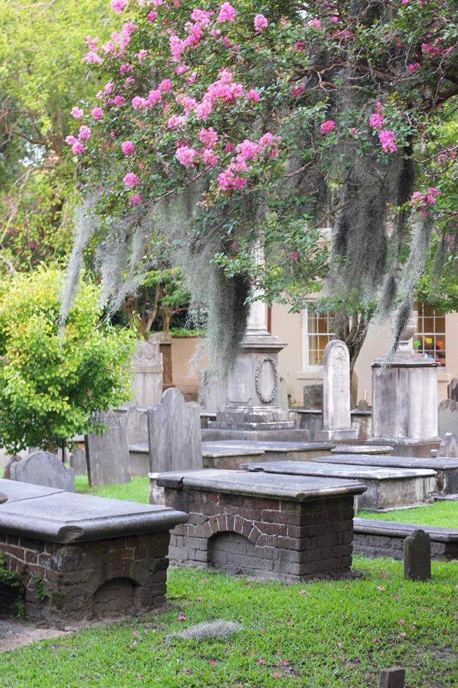 Ghost and Graveyard Tours with Bulldog Tours Charleston South Carolina