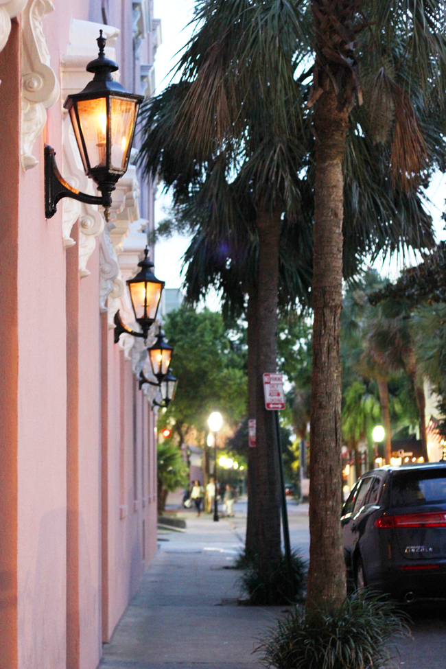 From the southern hospitality to the beautiful homes and great food, our adventures in Charleston, South Carolina were truly amazing.