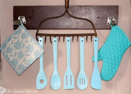 upcycle-utensil-rake-1