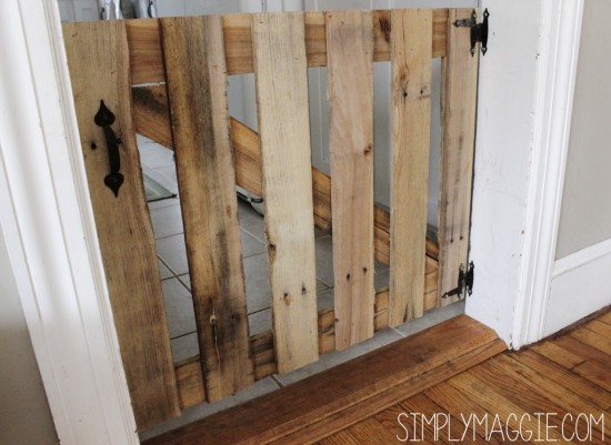 DIY-Pallet-Doggy-Gate-
