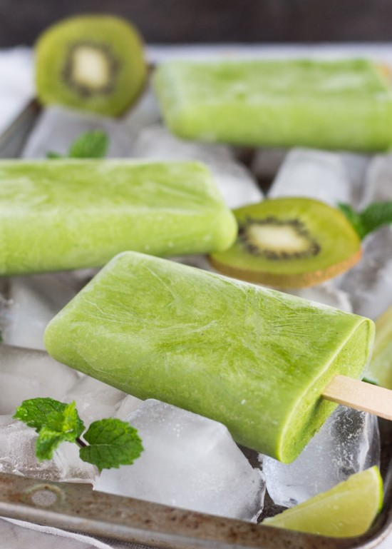 Grab-n-Go-Green-Smoothie-Popsicles-3