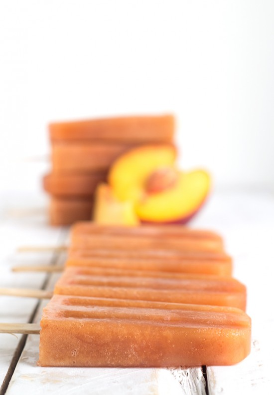 boozy-sweet-peach-tea-popsicles4